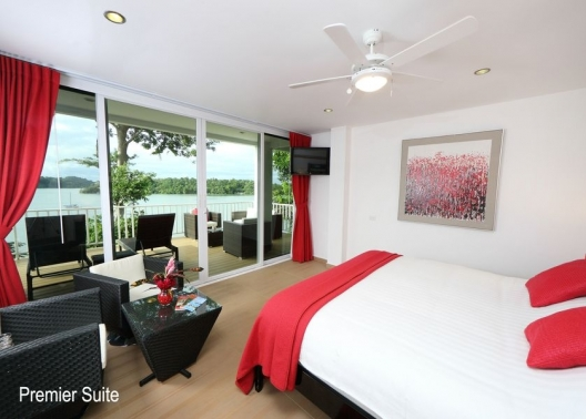 Premier Suite Spectacular views, and hot tub luxury for 2-3 people